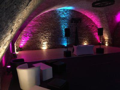Gewölbekeller Schloss Massenbach beleuchtet
