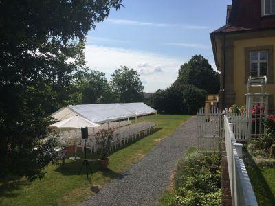 Trauung im Garten von Schloss Massenbach