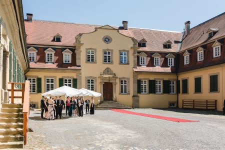 Stehempfang Innenhof Schloss Massenbach