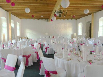 geschmückter Nordflügel Hochzeit Schloss Massenbach