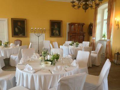 Feier Mittelsaal Schloss Massenbach